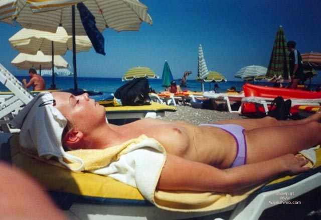 Pic #5 - Sarahs Small Tits On Beach