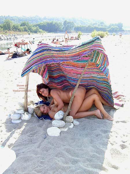 Pic #7 - *Gg Vanessa Lesbo On The Beach