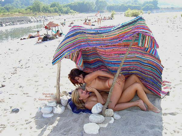 Pic #8 - *Gg Vanessa Lesbo On The Beach