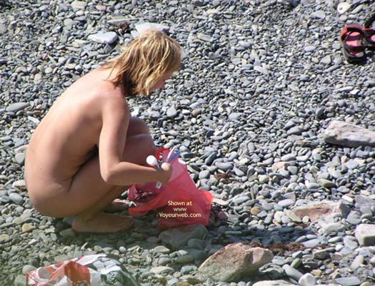 Pic #6 - Lucky Hunting On Nudist Beach, Serie 2