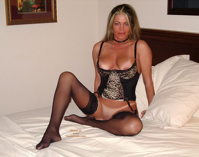 Pic #4 - Sexy Ly Hotel 2