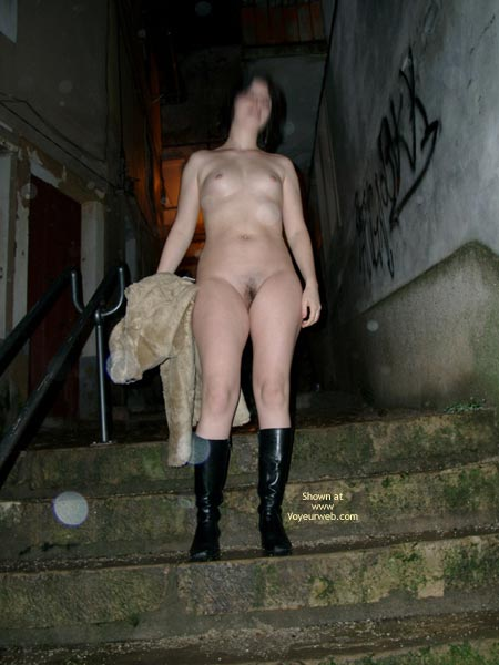Pic #1 - Mary Nude In Public