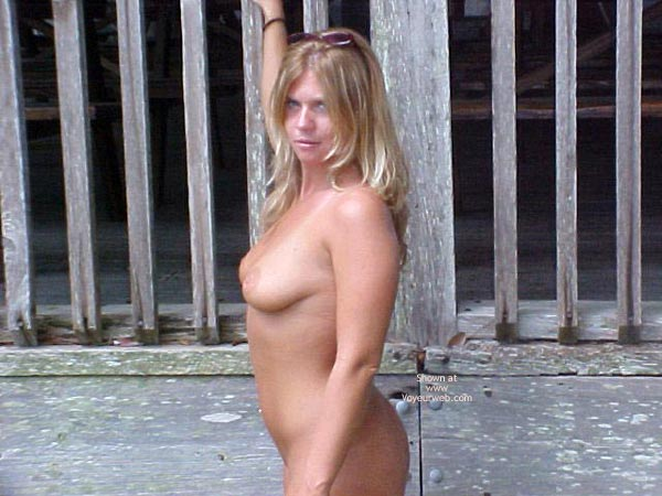 Pic #2 - Naked In Florida