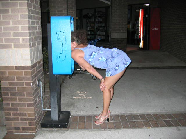 Pic #7 - Flashing My Ass