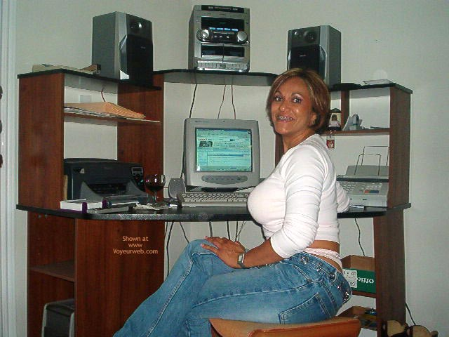 Pic #2 - Hot Mexican Girlfriend At The Computer