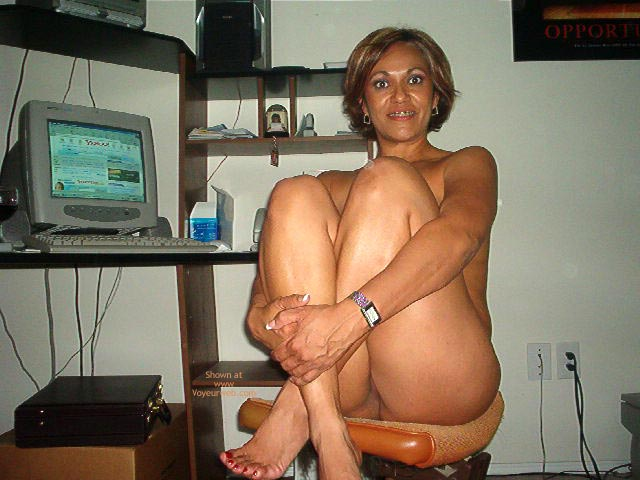 Pic #9 - Hot Mexican Girlfriend At The Computer
