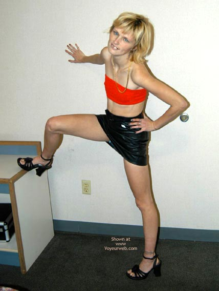 Pic #3 - Hot Little Hooker At Hotel