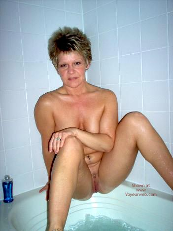 Pic #1 - Angelique In The Tub 2