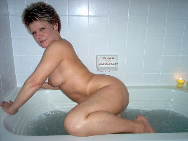 Pic #5 - Angelique In The Tub 2
