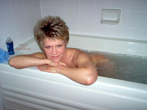 Pic #7 - Angelique In The Tub 2
