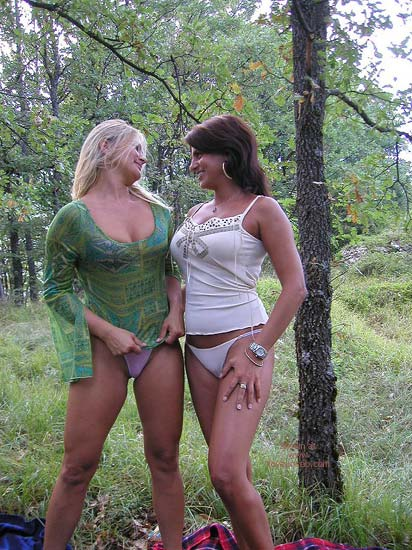 Pic #1 - Vanessa Sex In The Wood