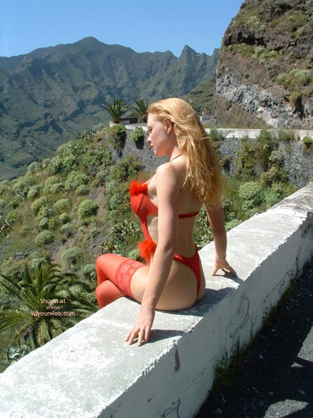 Pic #2 - Awesome Body Against An Awesome Backdrop