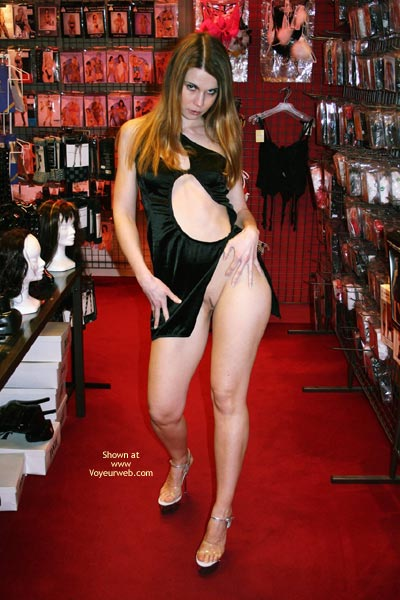 Pic #3 - *Tw Elektra Nude In Erotic Shop