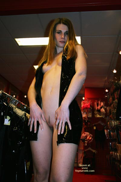 Pic #5 - *Tw Elektra Nude In Erotic Shop
