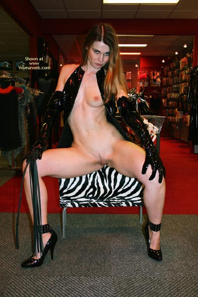 Pic #8 - *Tw Elektra Nude In Erotic Shop