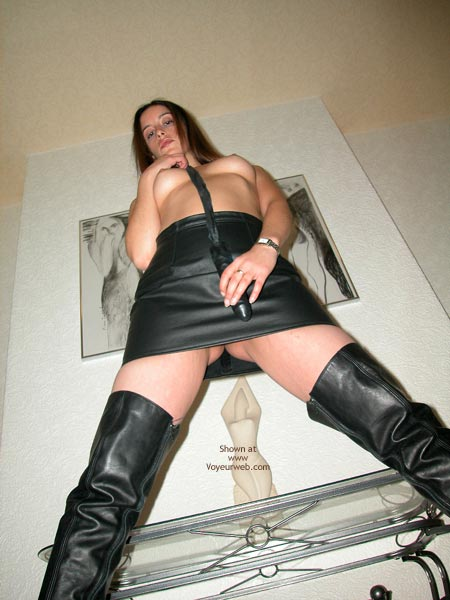 Pic #4 - The Sexy Ex'S Latex Whip