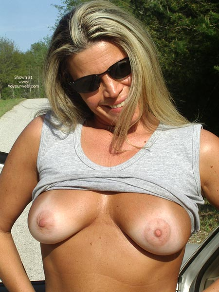 Pic #1 - Sexy Ly In The Car