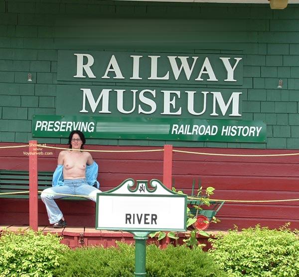 Pic #10 - Ansi Riding The Rails