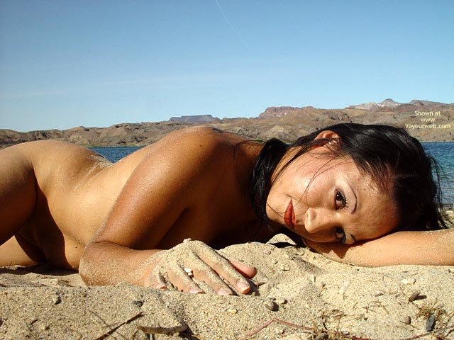 Pic #7 - Gigi Taking My Bikini Off At The Beach
