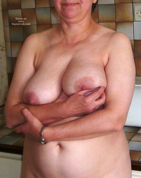 Pic #1 - Ma Femme Est Nue Pour Votre Plaisir 3