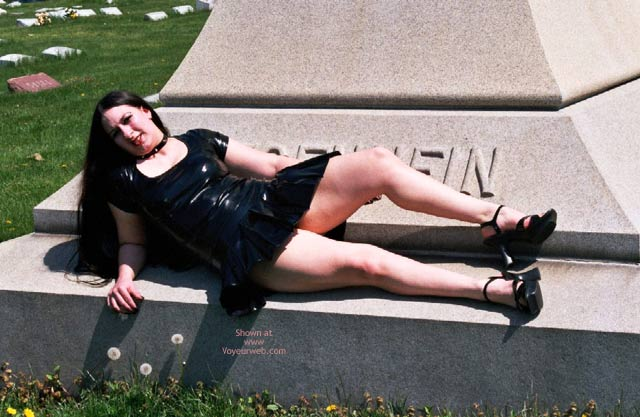 Pic #2 - What Do U Want On Ur Tombstone?