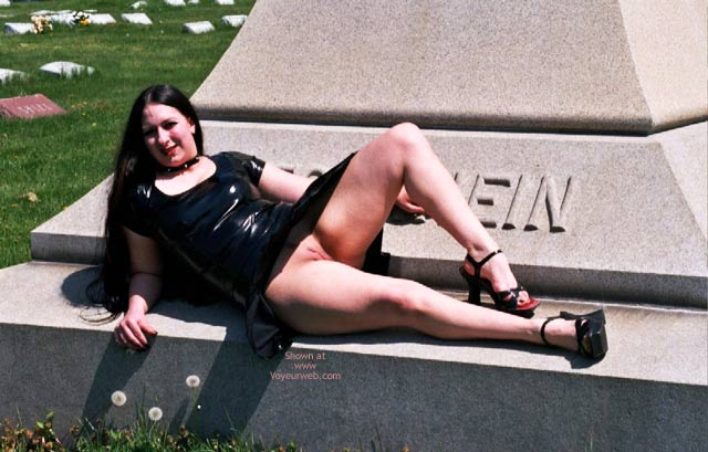 Pic #3 - What Do U Want On Ur Tombstone?