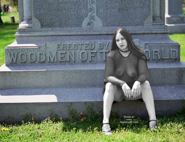 Pic #4 - What Do U Want On Ur Tombstone?