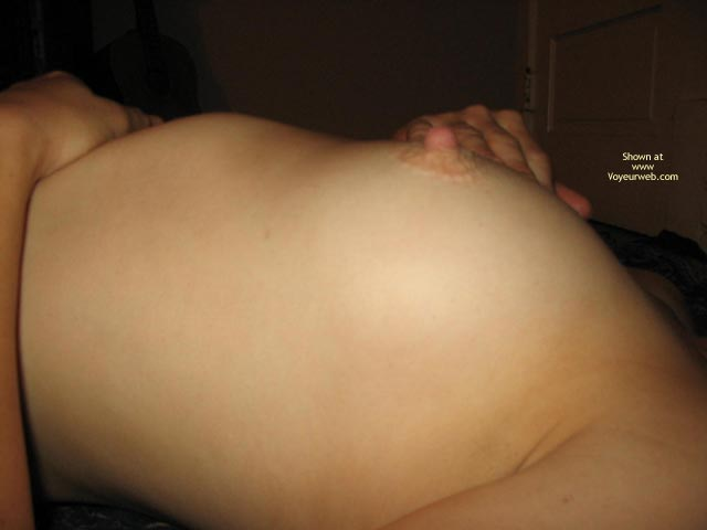 Pic #5 - Wife Getting Bare Pt2