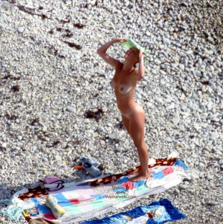 Pic #4 - Nude Beautiful Girls Down On The Beach