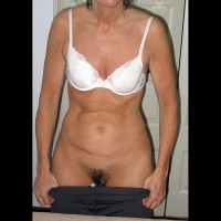 Sara Nude