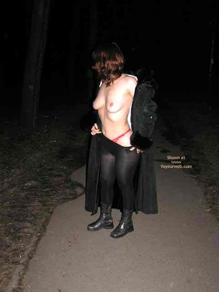 Pic #1 - Lesa Undress At Railroad Station