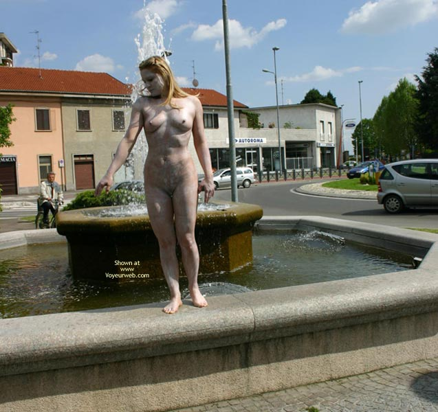 Pic #3 - *Nu Elise In Nude Statue