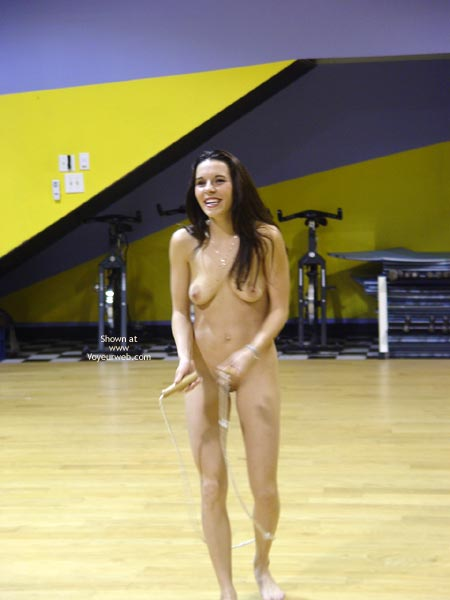 Pic #1 - Cat Nude At The Gym