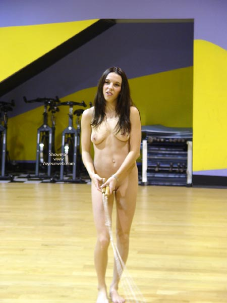 Pic #9 - Cat Nude At The Gym