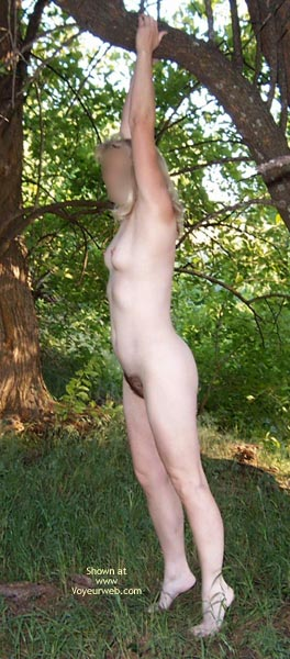 Pic #8 - Natural Wife In Meadow