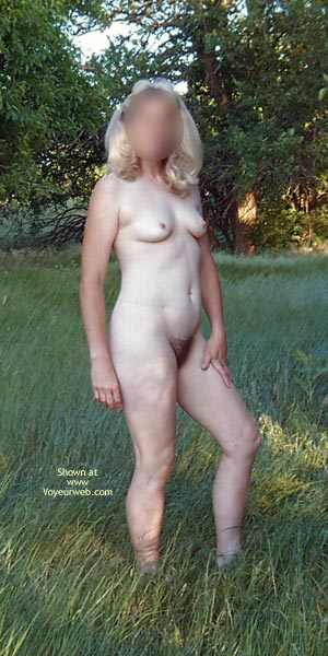 Pic #10 - Natural Wife In Meadow