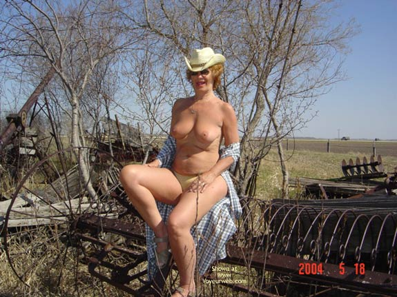 Pic #5 - 57 Year Old Canadian Wife Outdoors