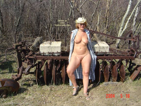 Pic #6 - 57 Year Old Canadian Wife Outdoors