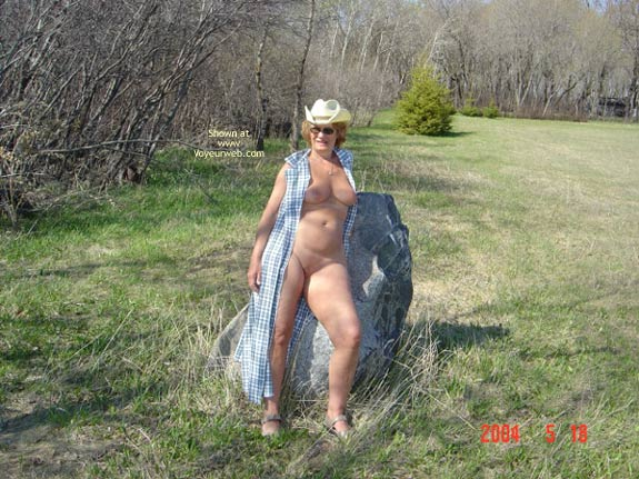 Pic #10 - 57 Year Old Canadian Wife Outdoors