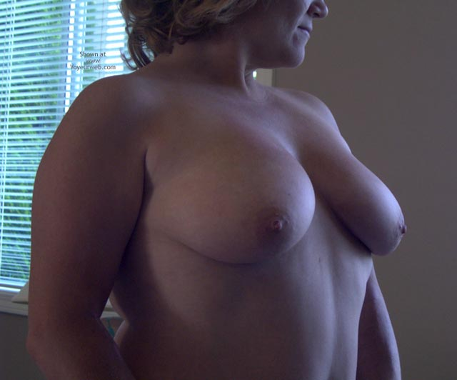 Pic #5 - Tina Gets Naked