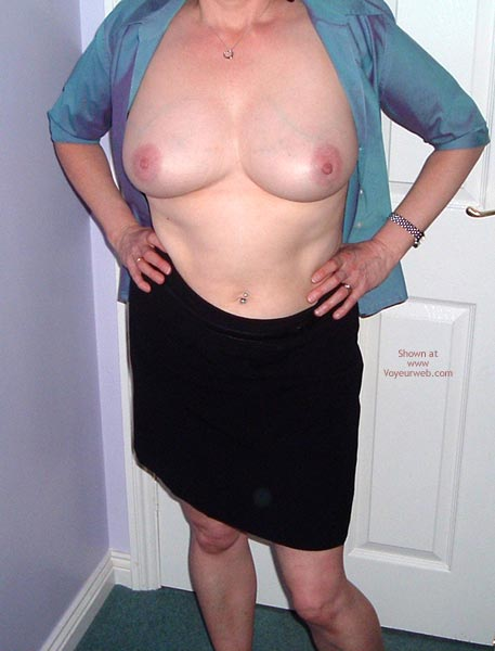 Pic #3 - Not So Shy Susan Goes Commando! 1