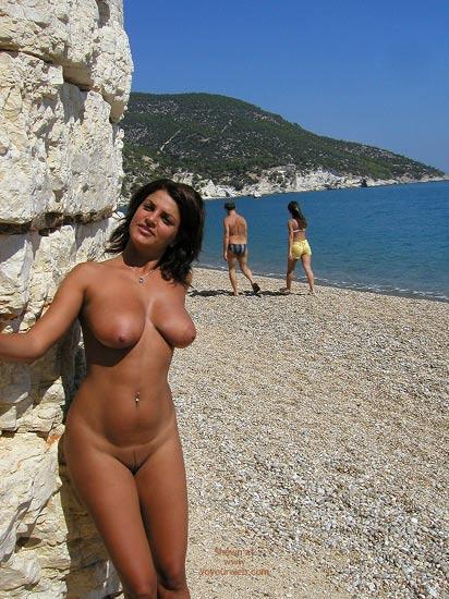Pic #3 - Vanessa Naked At The Beach