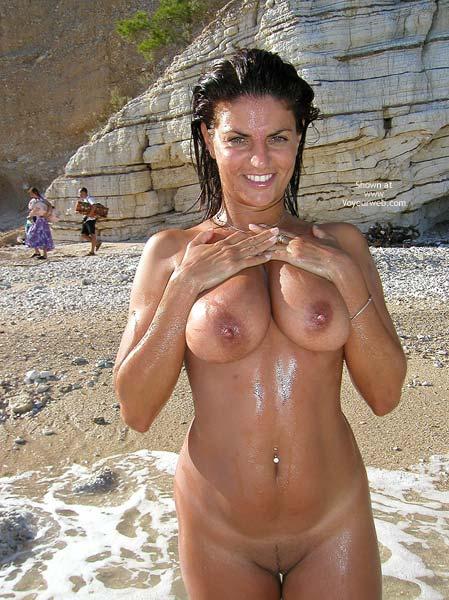 Pic #9 - Vanessa Naked At The Beach