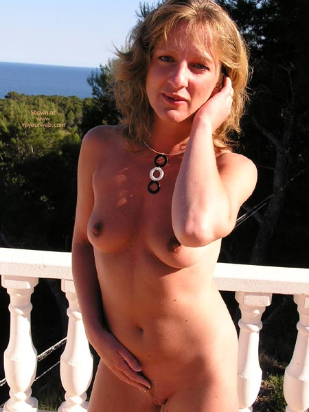 Pic #4 - Saucyminx Naked Poolside 2