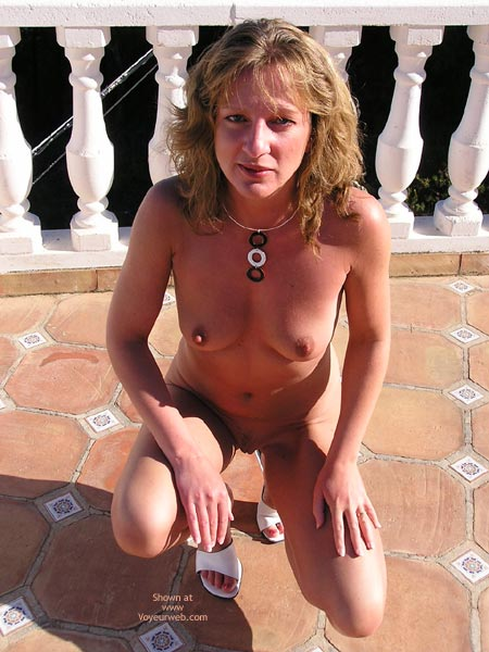Pic #5 - Saucyminx Naked Poolside 2