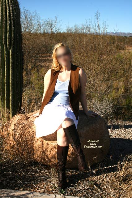 Pic #1 - Day In The Desert , Went Of For The Day In Arizona, It Was Too Warm For Her Outfit