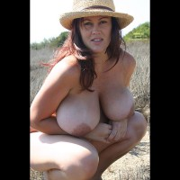 Giant Tits - Huge Tits, Large Aerolas, Large Breasts