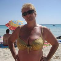 Mi Mujer En La Playa