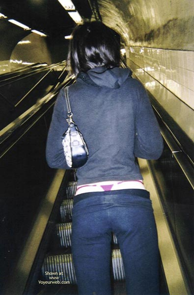 Pic #1 - *Co 20 Yo Mia In Nyc With Nothing Under Her Coat