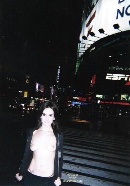 Pic #7 - *Co 20 Yo Mia In Nyc With Nothing Under Her Coat